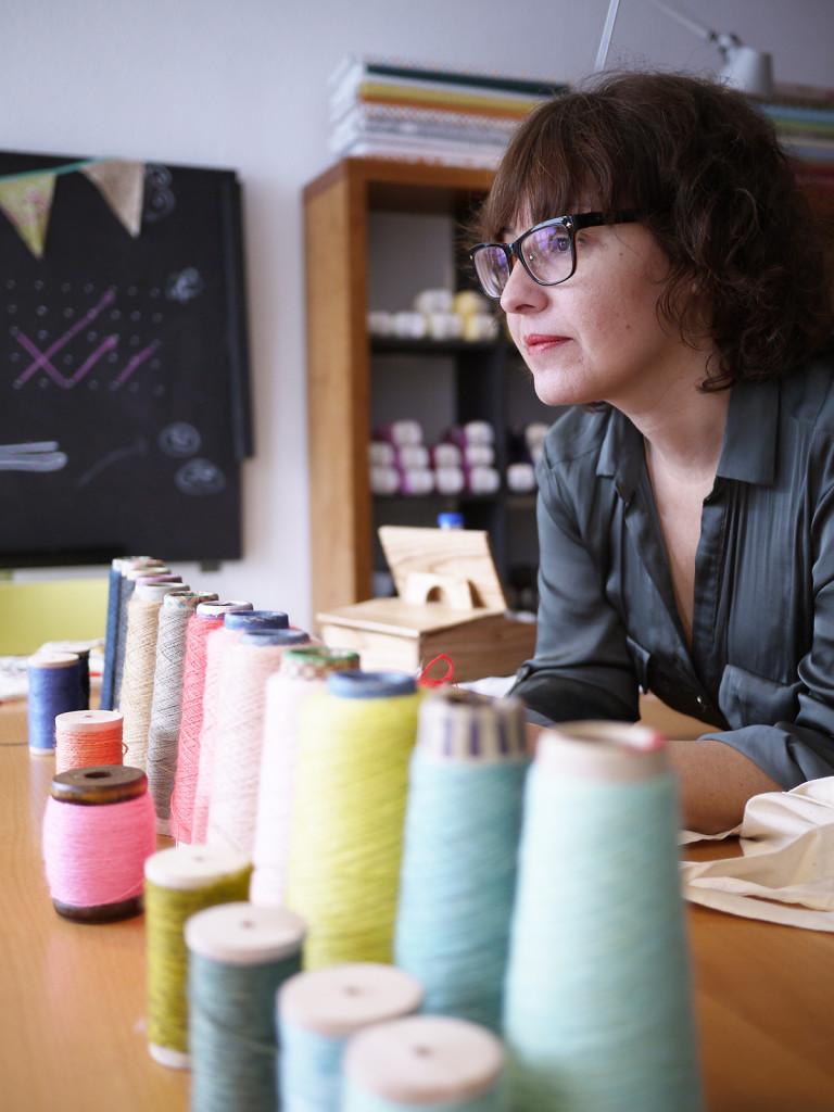 Adriana entre lanas